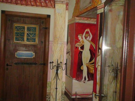 Hotel Europeo & Flowers: Het openbare toilet op de 4e verdieping.