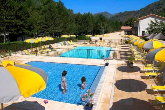 Camping les eaux chaudes updated 2017 campground reviews for Camping haute provence avec piscine