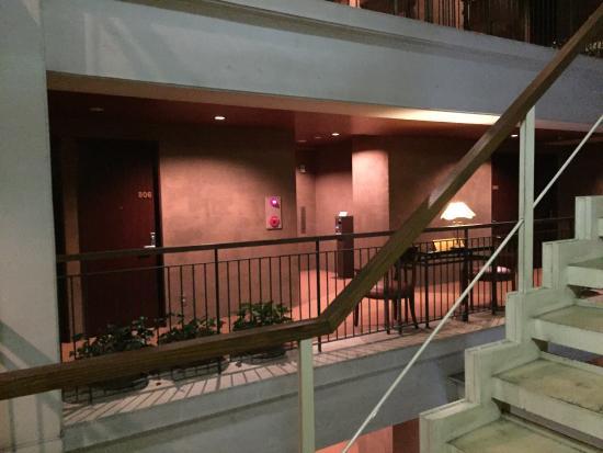 Gotanda Arietta Hotel & Trattoria: 8階の通路から撮影