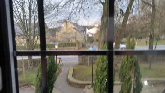 Innkeeper's Lodge Harrogate-West: View from Room 5