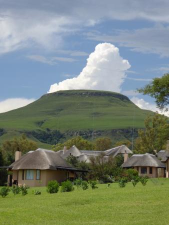 Парк Укхахламба-Дрейкенсберг, Южная Африка: Montusi mountain (it's not a volcano)