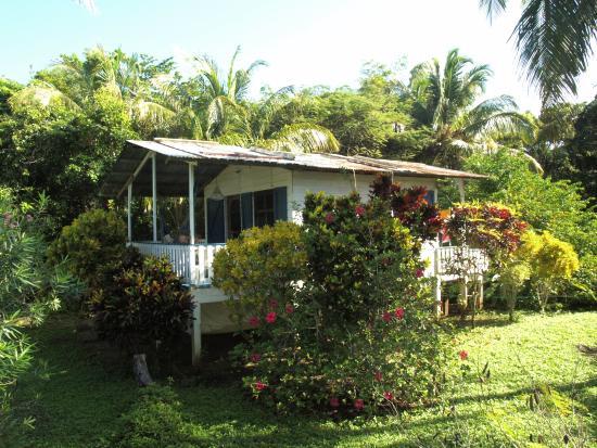 Farm Peace & Love: the cottage with the veranda