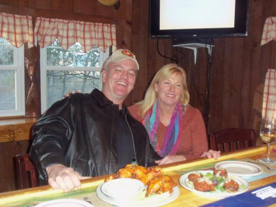 Port Jervis, NY: Customers enjoying Chicken Wings