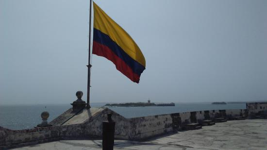 Castillo San Fernando de Bocachica : Fort et chenal