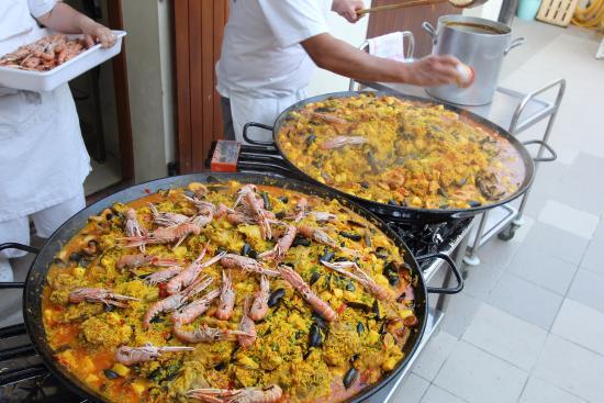 Camping Les Genets : Soirée Paella Maison