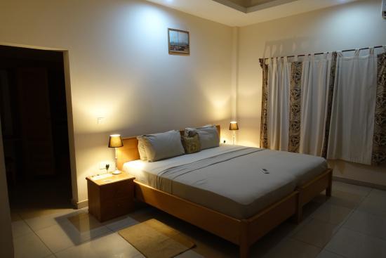 Elmina Bay Resort: Decent guest toom