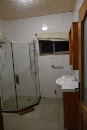 Elmina Bay Resort: Bathroom