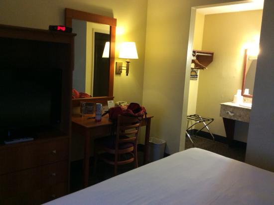 Int rieur de la chambre picture of days inn las vegas at for Hotel interieur