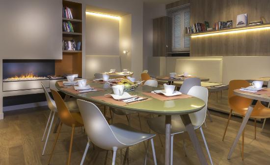Hotel Andrea: Salle petit déjeuner