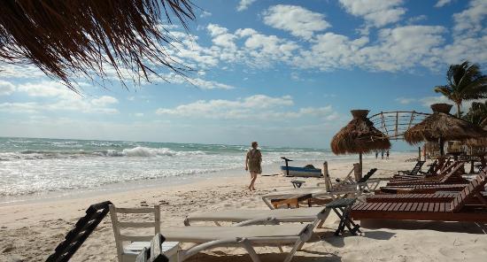 Zulum Beach Club Cabanas Photo