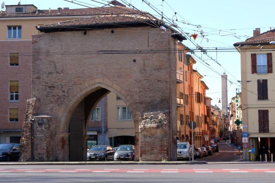 Ospedale sant 39 orsola foto di b b san vitale bologna - Porta san vitale bologna ...