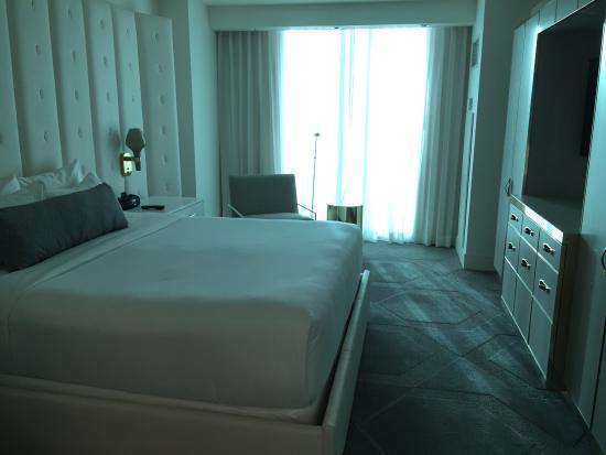 Delano king suite room picture of delano las vegas las - Delano las vegas two bedroom suite ...