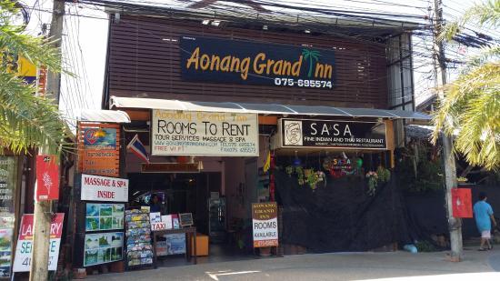 Ao Nang Grand Inn Hostel: Outside view of the hotel.