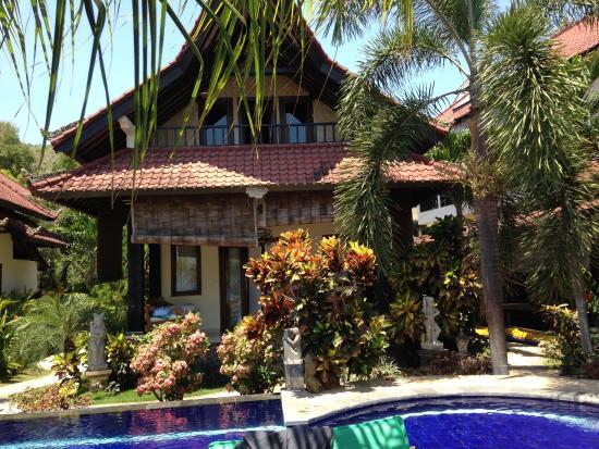 Tradisi Beach-Front Villas