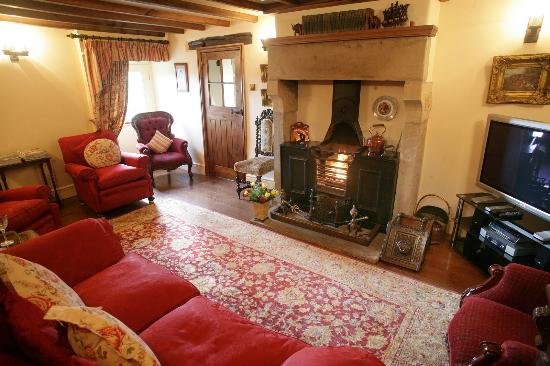 Church Farm Cottage: Ancestral Barn - living room