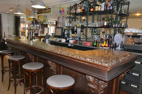 Hotel & Restaurant Robic: bar