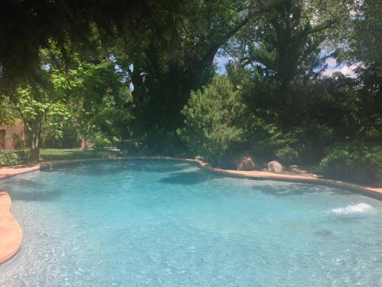 Rancho Nambe: Poolside
