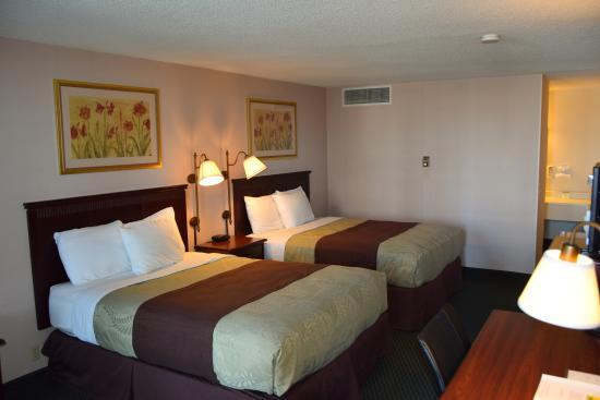 National 9 Inn Gillette : 2 Queen Room