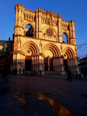 Province of Cuenca, Hiszpania: La Catedral de Cuenca al atardecer (27/02/16)