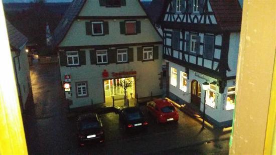 Tiefenbronn, เยอรมนี: Blick auf die Straße in der Nacht