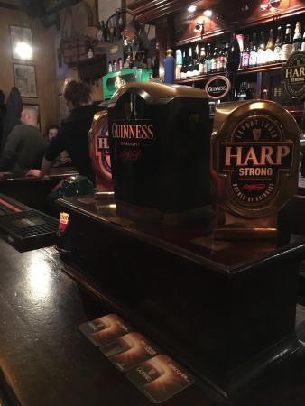 McCulloughs Irish Pub