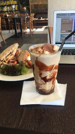 Aroma Deli Cafe