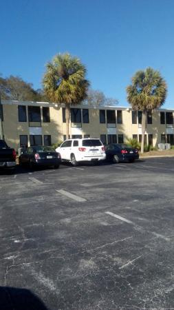 Roya Hotel Suites Bayside Quality Inn