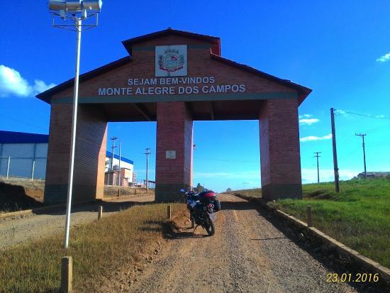 Monte Alegre dos Campos, RS: Pórtico de acesso