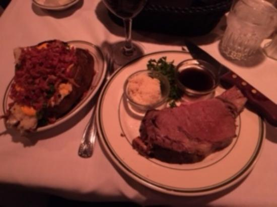 Red Tracton's Restaurant: 8 oz Prime Rib w/ Loaded Baked Potato