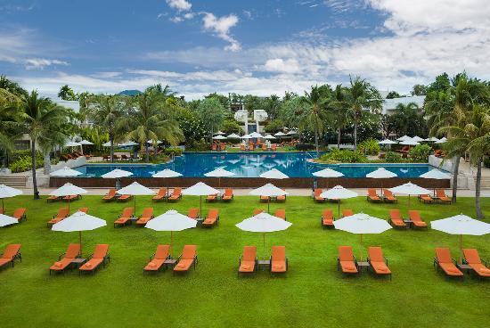 Sheraton Hua Hin Resort & Spa: Ocean lawn