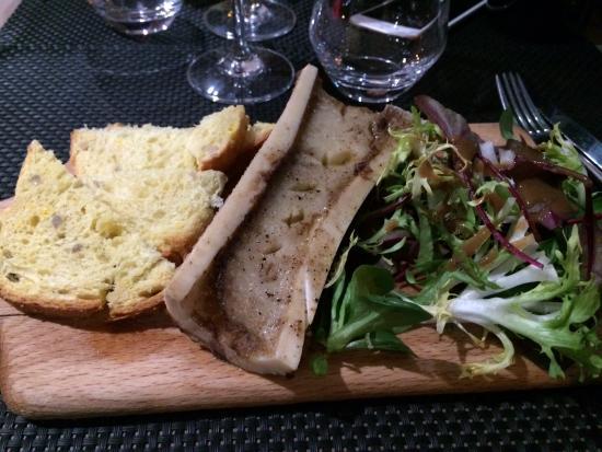 Crosne, Prancis: Délicieux os à moelle avec pain de mie aille Restaurant découvert hier soir avec plaisir .