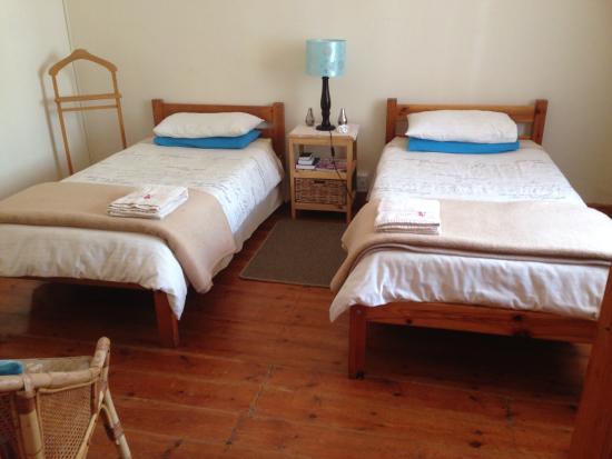 Huckleberry Inn: Gentleman Jim room with sitting area