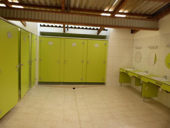 U Sortipiani: Sanitaire Camping Neuf