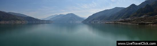 New Tehri, Indien: Wide view of the backwater