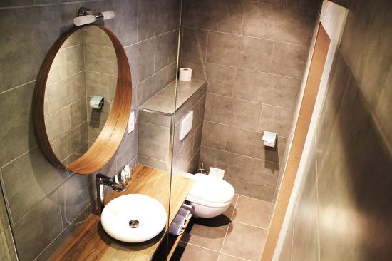 Montovani Hotel: NEW bathroom double room