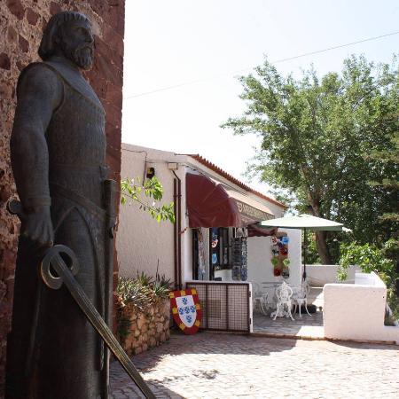 Estabelecimentos D. Sancho Silves