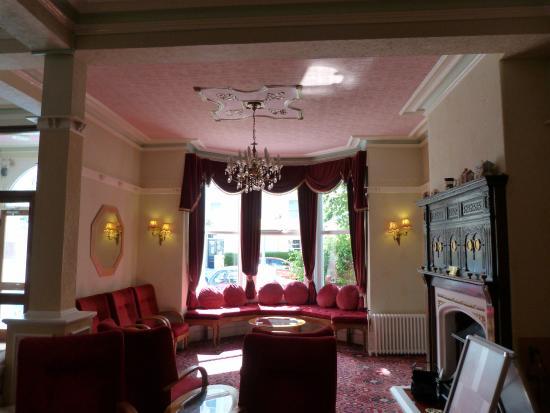 Evans Hotel: Reception