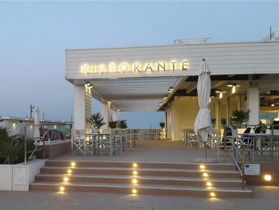 Ristorante riviera cesenatico restaurant reviews phone number photos tripadvisor - Bagno internazionale cesenatico ...