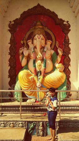 Odisha, India: Panoramic dam and shiv temple