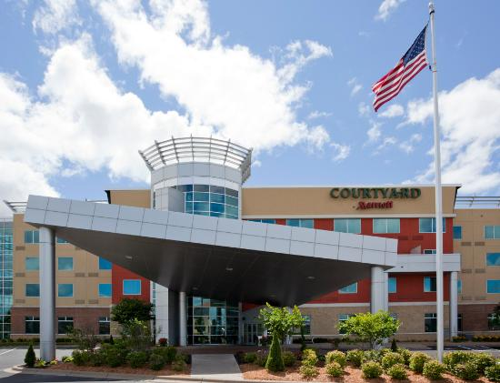 Courtyard Minneapolis Maple Grove/Arbor Lakes: Welcome to the Courtyard by Marriott Maple Grove/Arbor Lakes