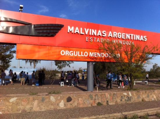 Estadio Malvinas Argentinas: Malvinas Argentinas - belo estádio de Mendoza