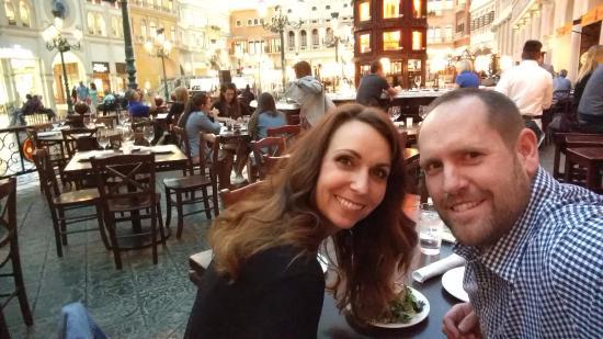 Otto Enoteca Pizzeria: Our table