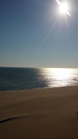 Beach Quarters Resort: 20160229_085647_large.jpg