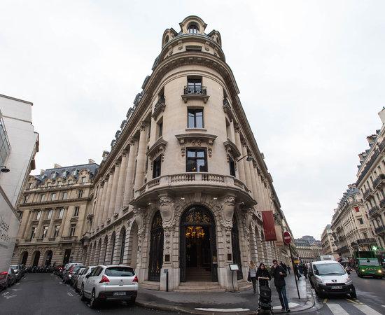 Photo of Hotel Hotel Banke at 20 Rue Lafayette, Paris 75009, France