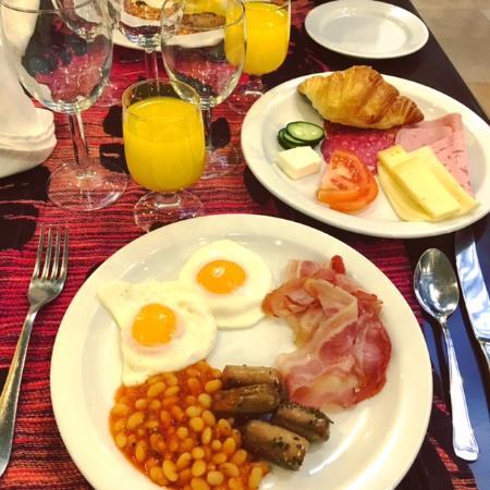 Hotel Talisman   Buffet Breakfast