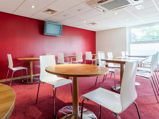 Travelodge Camberley: Bar Cafe