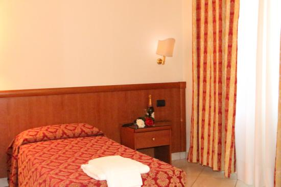 hotel halifax reviews price comparison rome italy tripadvisor rh tripadvisor ie
