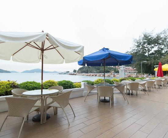 Photo of Beach Silvermine Bay Beach at Tung Wan Tau Rd, Mui Wo, Hong Kong