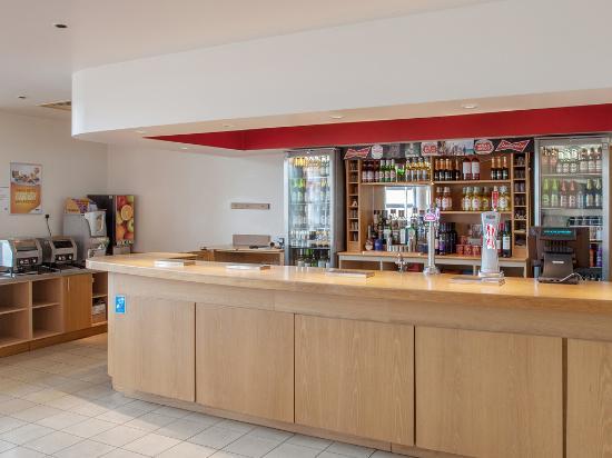 Travelodge Windsor Central Hotel: Reception