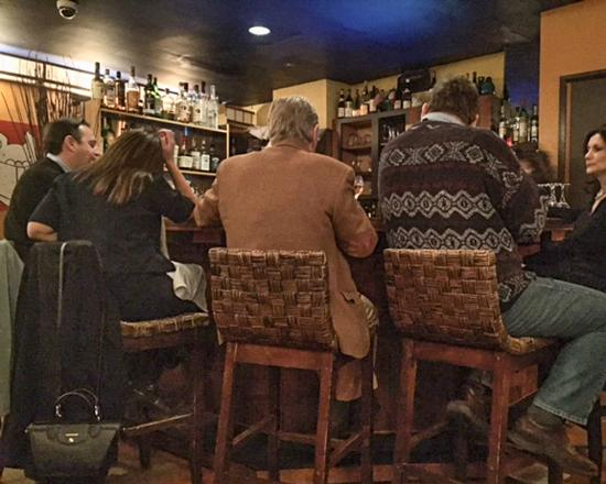 Bistrot Lepic & Wine Bar : Bar Scene